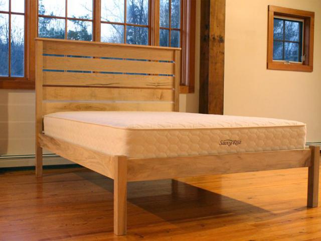 Savvy Rest Frames · Amish Furniture